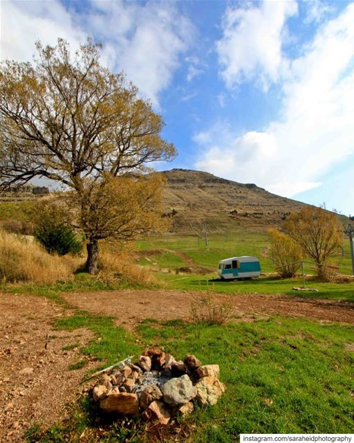 Camping anyone? ⛰..... saraheidphotography lebanon livelovelebanon... (El Laqloûq, Mont-Liban, Lebanon)