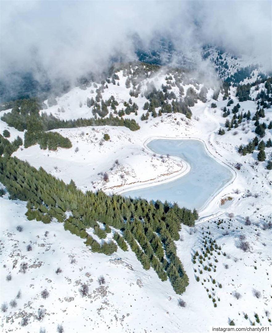 @rami_rizk89 baroukmounrains جبل_الباروك mountains view nature... (Bâroûk, Mont-Liban, Lebanon)