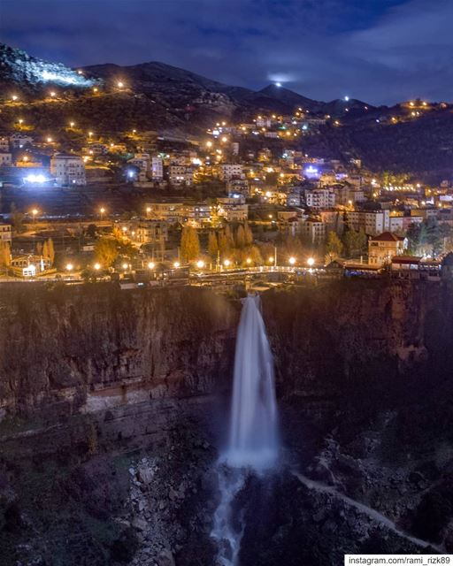 My Hometown😍😍.Swipe left to ZOOM ⬅️🔍. Jezzine Lebanon waterfall ... (Jezzîne, Al Janub, Lebanon)