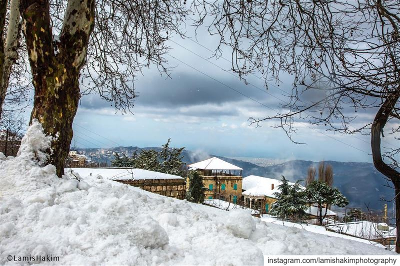 Everything becomes more magical when it's covered with snow! ❄️ ❄️ ❄️❄️❄️❄️ (Sawfar, Mont-Liban, Lebanon)