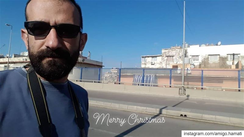 Merry Christmas.Some street photography on Christmas day around burj... (Borj Hammoud, Mont-Liban, Lebanon)