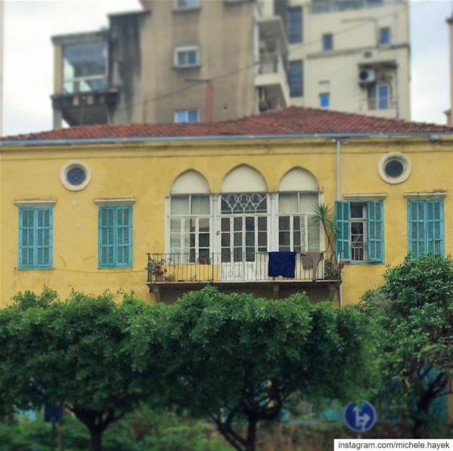 Old Beirut🏡💛💚 streetphotography oldbeirut lebanonhouses ... (Beirut, Lebanon)