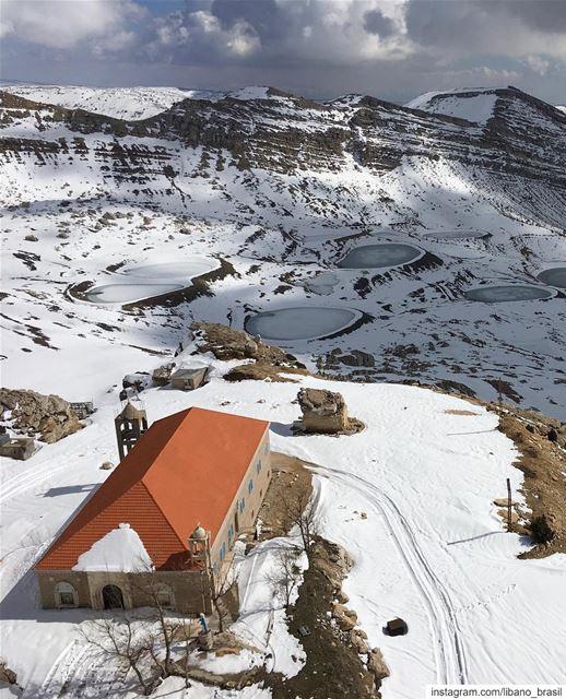 🇱🇧🇧🇷 Definitivamente nada é mais fantástico que o inverno no Líbano!... (El Laklouk, Mont-Liban, Lebanon)