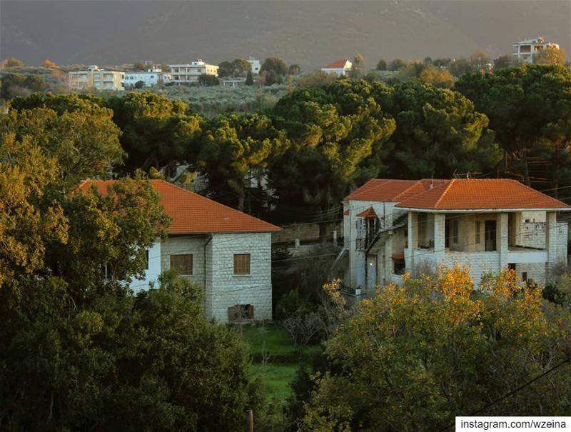 دفا 🏡 🌄 شتوية ضيعة غروب.... lebanon beino akkar ... (Beïno, Liban-Nord, Lebanon)