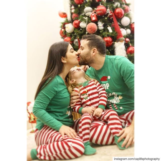 Pure Love❤️💚 🎅🌲  christmas  christmasphotoshoot  caplifephotography ...