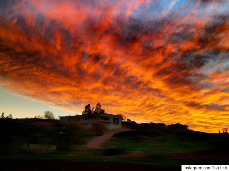 fireinthesky 🔥........ sunset magical amazinglebanon ... (Aïtaroun, Al Janub, Lebanon)