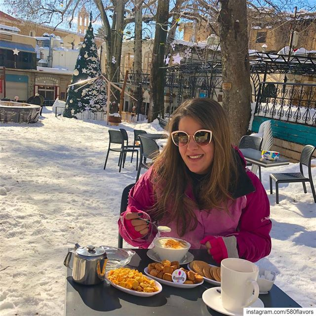 Couldn't ask for a better morning ❤️💚 Sahlab and snow 😍😍 @cafe_ayrouth ... (Ehden, Lebanon)