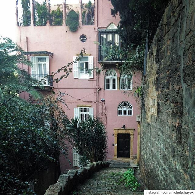 🏡💚💗 photography oldhouse oldstairs instalebanon insta_lebanon ... (Beirut, Lebanon)