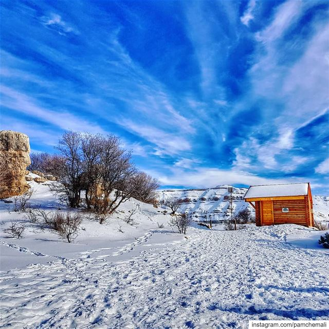 Isn't it ur  dreamhouse? 🗻 breaktheroutine  mylebanon............ (Arz Tannoûrîne)