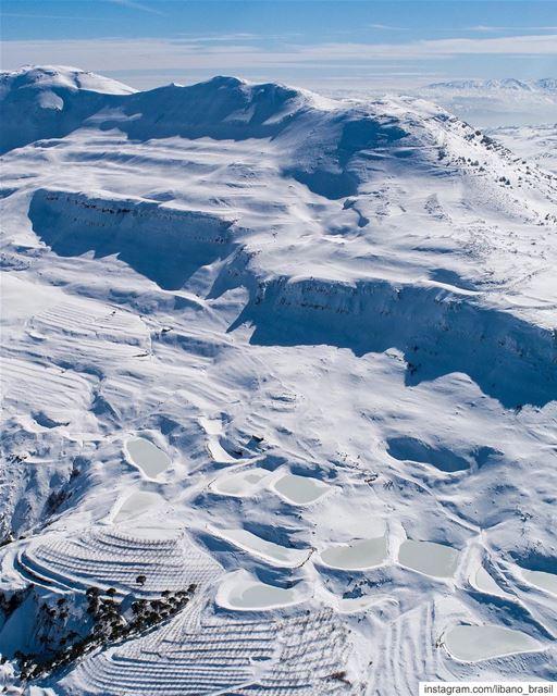 🇱🇧🇧🇷 Alpes? Não, é o Líbano! Foto espetacular do @habib_darwishe.... (Falougha, Mont-Liban, Lebanon)
