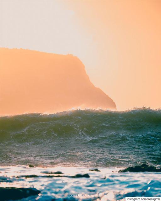 Rise! 🌊 -- chekka storm lebanon tracystorm livelovebeirut waves ... (Chekka)