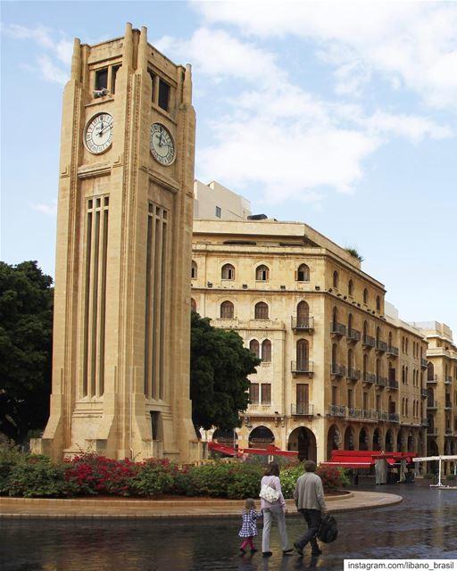 🇱🇧🇧🇷 Com chuva ou sem chuva, Beirute não perde seu charme. Bom dia,... (Downtown Beirut)