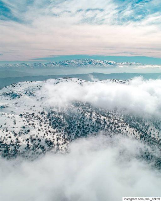 Between earth and sky 🗻... ainzhalta chouf shouf shoufreserve dji... (Aïn Zhalta, Mont-Liban, Lebanon)