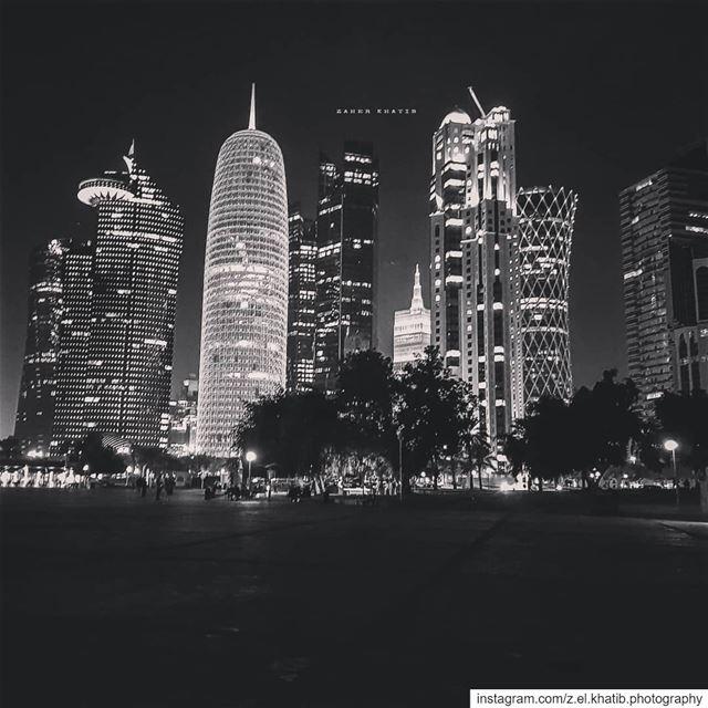 لفرط ما أحذف النهارات لم يبق مني الا كائن الأرق، شبيهي، الذي يحسب ان الوقت... (Doha)