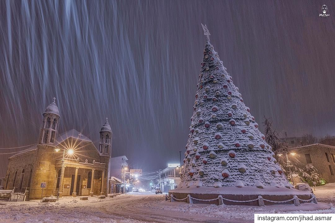 Dear Santa? Can we repeat Christmas?!🤓🤓🤓... (Dhoûr Ech Choueïr, Mont-Liban, Lebanon)