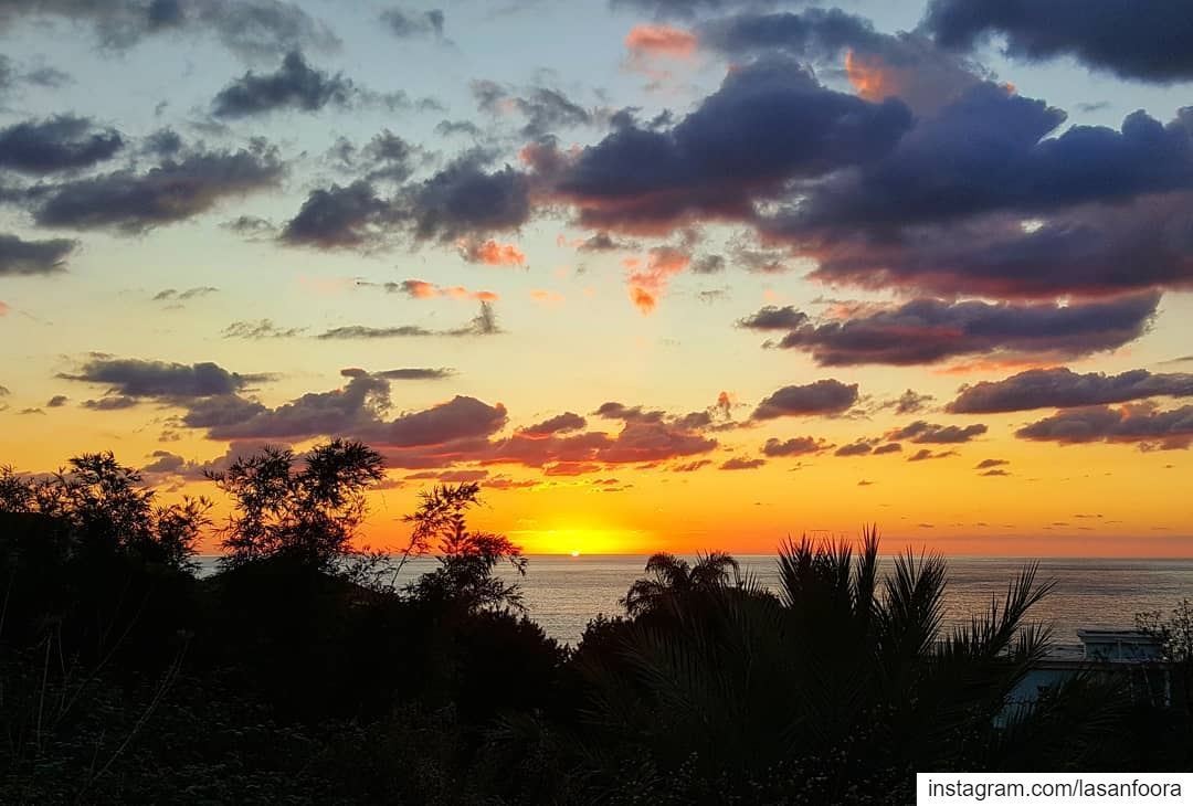 """""""We are all broken, that's how the light gets in"""". tramonto sunset ... (Byblos - Jbeil)"""