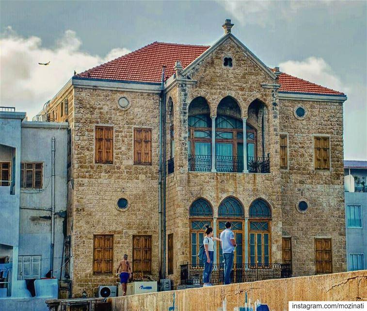 يسعد صباحك يا حلو وعدك لنا لا تبدلونبقى سوى و يبقى الهوى بقلوبنا صافي و حل (Tyre, Lebanon)