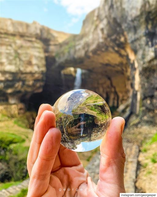 """Little Earth Globe"" in my hand 🌎 @lensball .....  lensball ... (Tannurin At Tahta, Liban-Nord, Lebanon)"