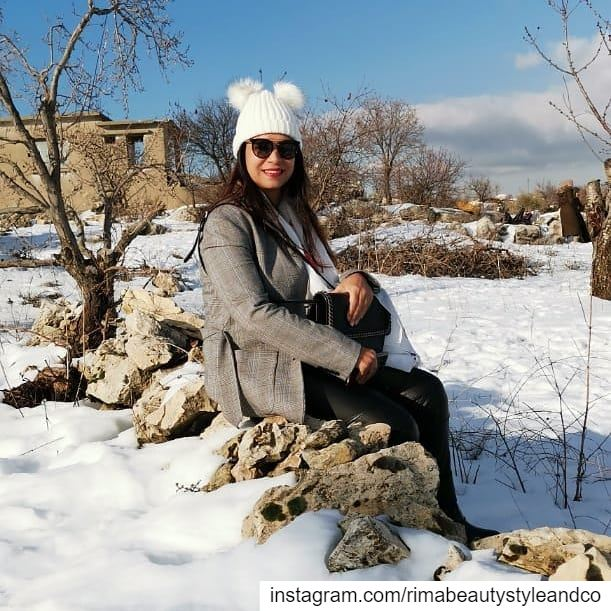Let ur heart be always white like the snow snowing snowy snowyday ... (Jezzîne, Al Janub, Lebanon)
