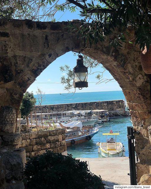 🇱🇧🇧🇷 Estilo de vida Mediterrâneo! Foto de @robertaabdanur.⠀⠀⠀⠀⠀⠀⠀⠀⠀... (Pepe's Byblos Fishing Club)
