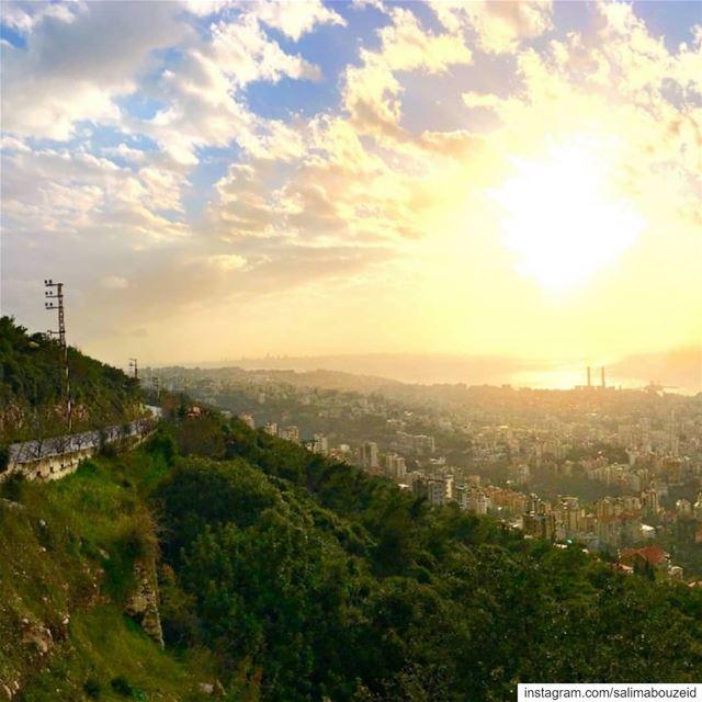 Jounieh bay in panoramic view 💙💛Swipe ⬅️ left-------------------------- (JOUNIEH - Lebanon)