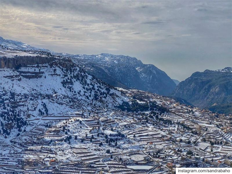 ❄️ ......... lebanon majdelakoura byblos roadtrip snow ... (Majdel el-Aqoura)