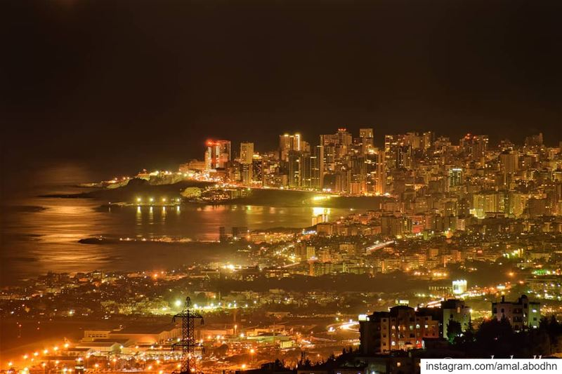 بيروت،،، تغوص كلؤلؤةٍ .. 😍 ..... lebanon photography ... (Abey, Mont-Liban, Lebanon)