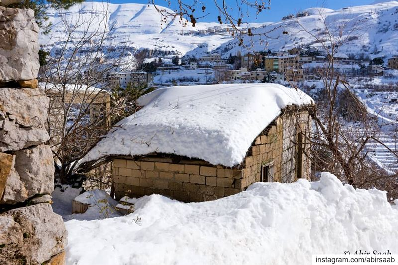 A house that is standing on memory alone! Lebanon livelovebeirut ... (Lebanon)