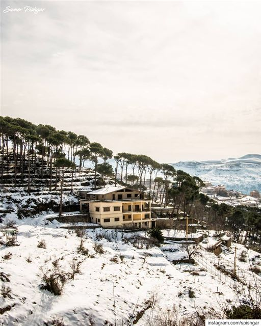 The house on the hill.. 🌳🏠⛄.... Lebanon Lebanese natgeotravel ... (Falougha, Mont-Liban, Lebanon)