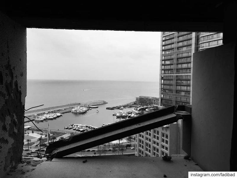 The balconies of the holiday inn glitz_n_grime exploretheglobe ...
