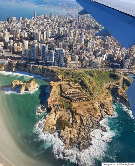 🇱🇧🇧🇷 Uma perspectiva totalmente diferente da fabulosa costa de... (Beirut, Lebanon)