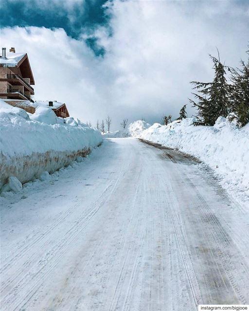 Going home!! shotoniphone ..... natgeoshot natgeotravelpic ... (Lebanon)
