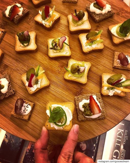 Finger Food 😋 @ztakla @romana.sb ....... Food Foodie ... (Sahl `Alma, Mont-Liban, Lebanon)