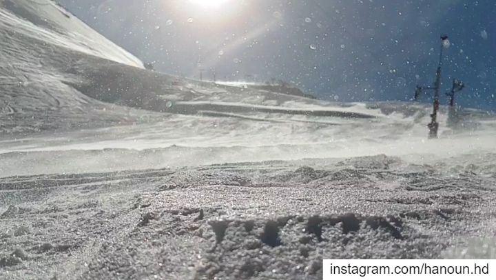 snowflakes snowflakes❄️ snow ski skiing mzaarskiresort kfardebian ... (InterContinental Mzaar Lebanon Mountain Resort & Spa)