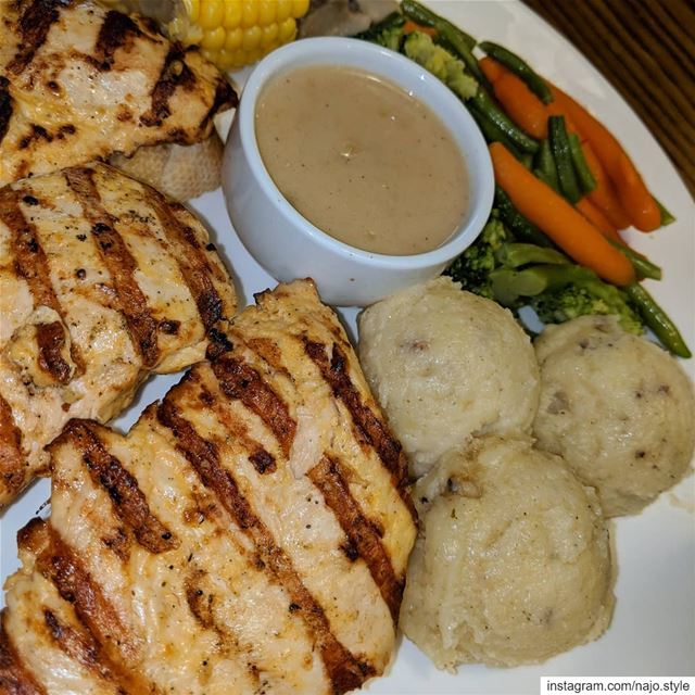 lunch lunchtime grilledchicken grilledvegetables mashedpotatoes ...
