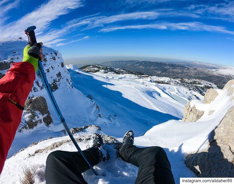 Enjoy the view 🌞❄️... snowhike wonderlust sports extremeadventure... (Jabal Fâloûgha)