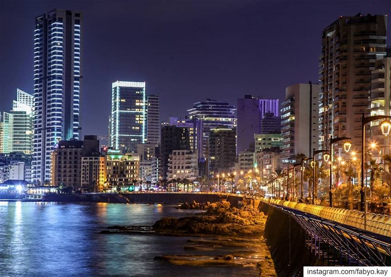 ___________________________________ libanon beirut nightlights buildings... (Corniche El Manara)