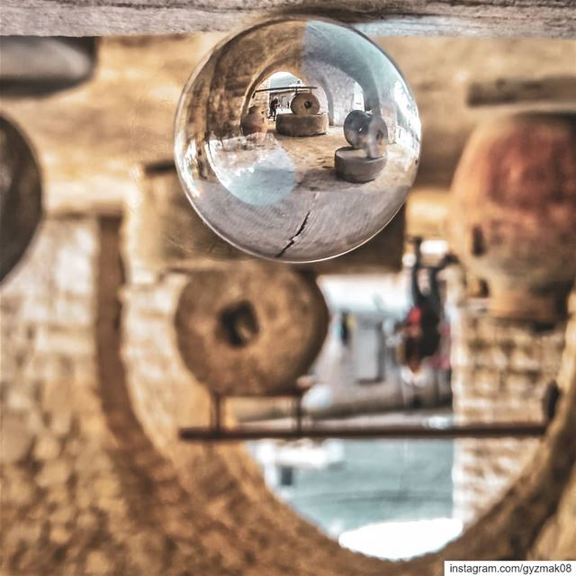 Sticking to tradition or choosing a new direction? lensbible ... (Lebanon)
