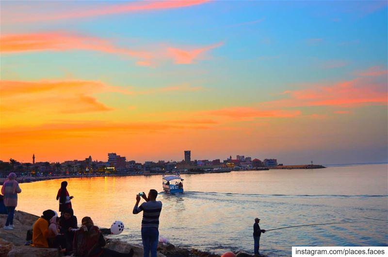 """مدينة الحب و الحياة و الألوان هي من تضع لبناننا تحت إسمه و لقبه """"سويسرا الش (Tyre, Lebanon)"""