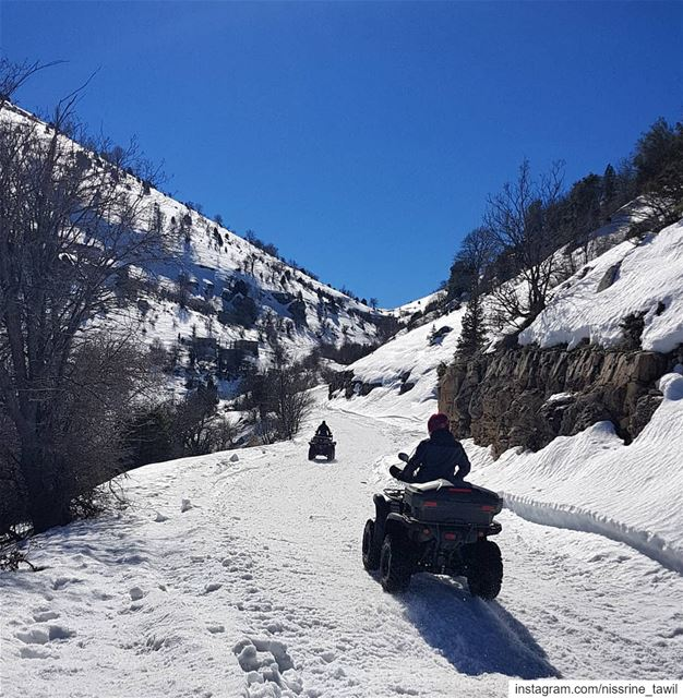 winter ehden outdooractivities outdoorphotography beautifulscenery ... (Horsh Ehden)