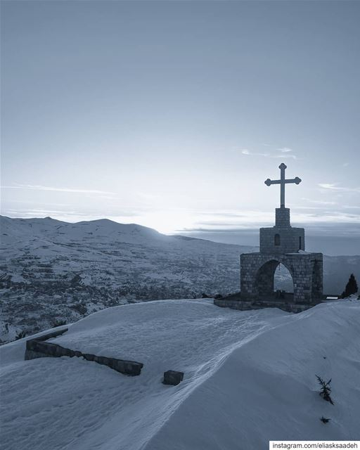 Truly blessed 🙏.. dji mavic mavicpro cross jesus christian ... (Bcharré - Cedars area)