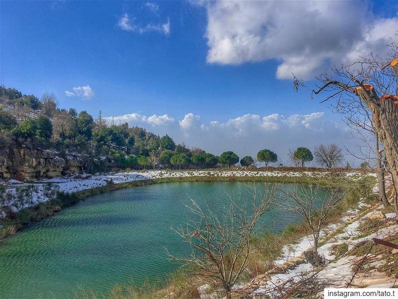 ✨𝑳𝒐𝒐𝒌𝒊𝒏𝒈 𝒐𝒖𝒕 𝒐𝒗𝒆𝒓 𝒕𝒉𝒆 𝒍𝒂𝒌𝒆, 𝒊𝒇𝒆𝒍𝒕 𝒆𝒏𝒗𝒆𝒍𝒐𝒑� (Annâya, Mont-Liban, Lebanon)