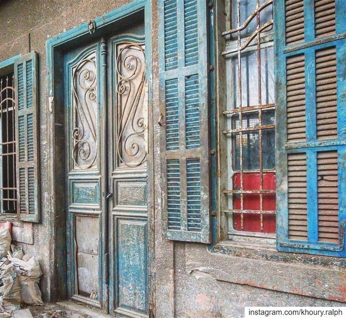 دقيت و ما لقيت... (Beirut, Lebanon)