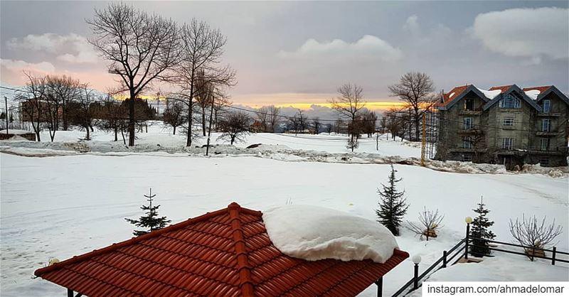 قلبك ابيض متل الثلج بيفرق بانو دافيبيلبقلك يا حياتي الغنج و شو ما اعمل مش... (Le Notre Hotel & Ski Resort)