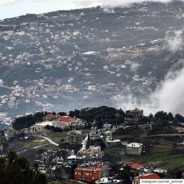 Stormy Valley aintoura lebanon picoftheday byme nikon nikonme ... (Mount Lebanon Governorate)