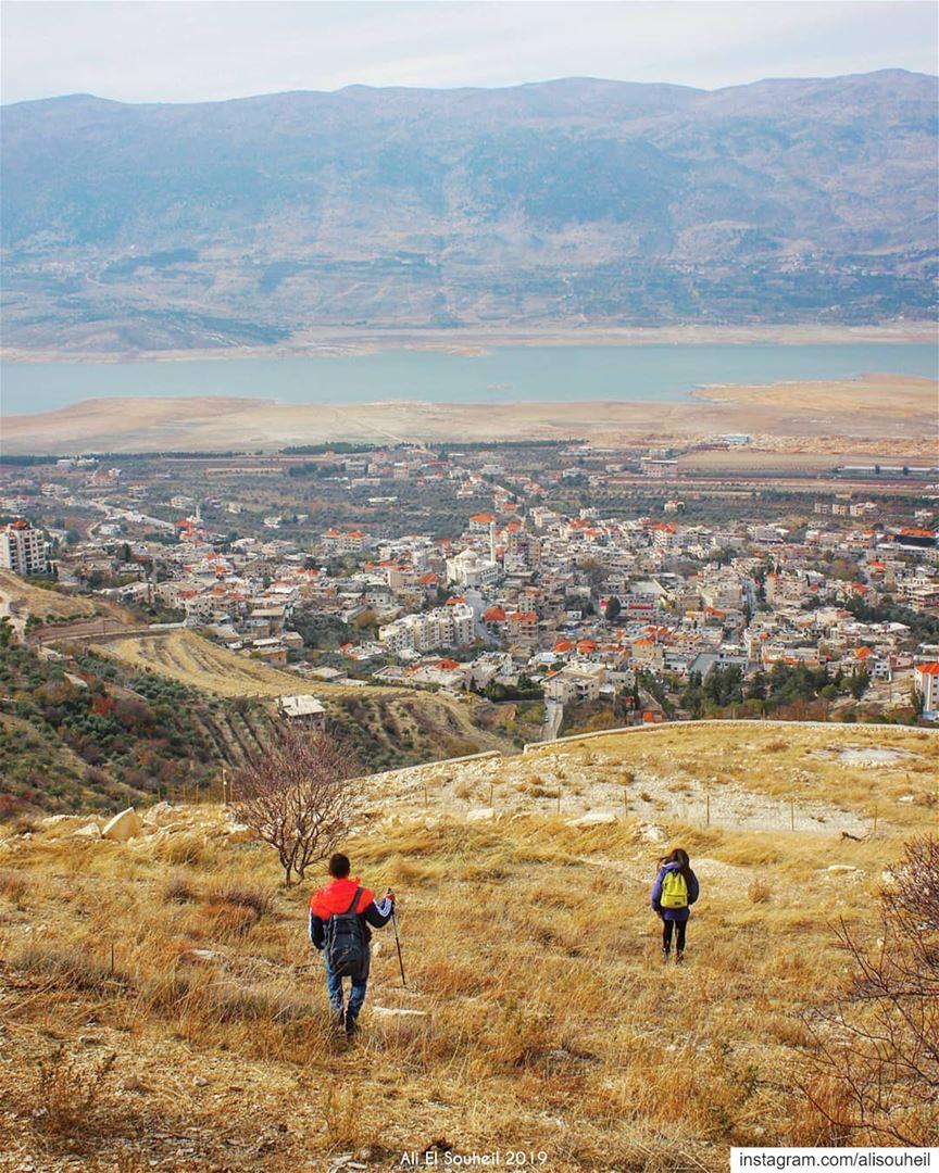 tb karoun lake westbekaa bekaa valley hiking mountains ... (Lake Qaraoun)