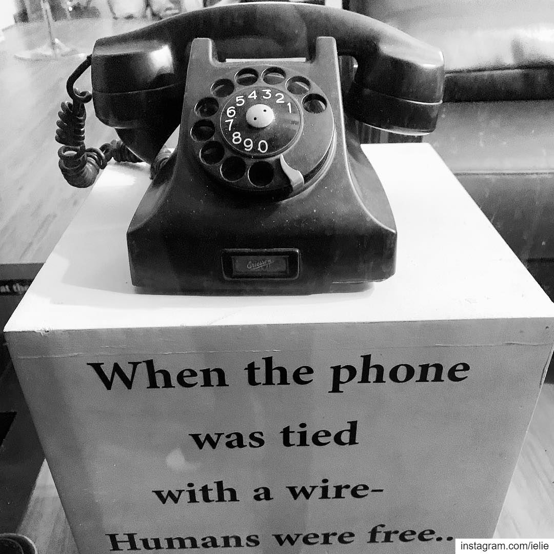 Fact! retro vintage old phone tb humans photooftheday ... (Laboratoire D'art)