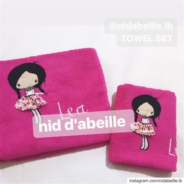 Happy 😊keep the GOODvibes! Write it on fabric by nid d'abeille ...