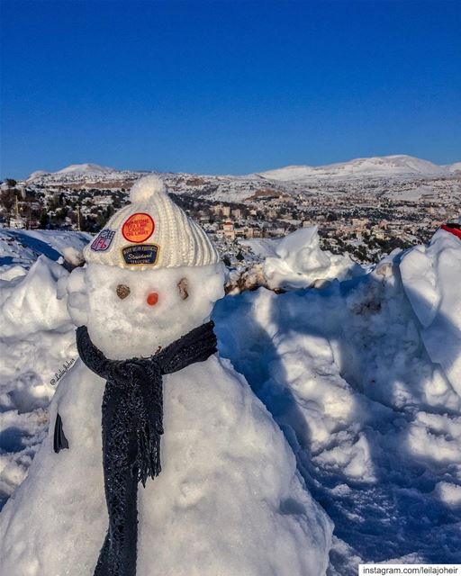 Life is short as the falling of snow... snowman  livelovefaraya  faraya ... (Faraya, Mont-Liban, Lebanon)