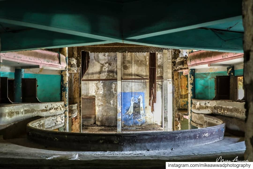 Here it is alone and abandoned after hosting celebrities from aroud the...